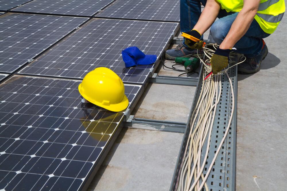 Inštalácia solárnych panelov na dom Bratislava iElektrikár